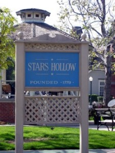 Stars Hollow sign