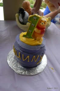 Hunny Pot cake for Cassie herself (by Jen's Custom Cakes)