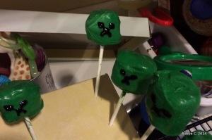 Creeper marshmallow pops