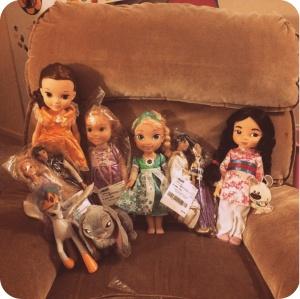 Many, many dolls